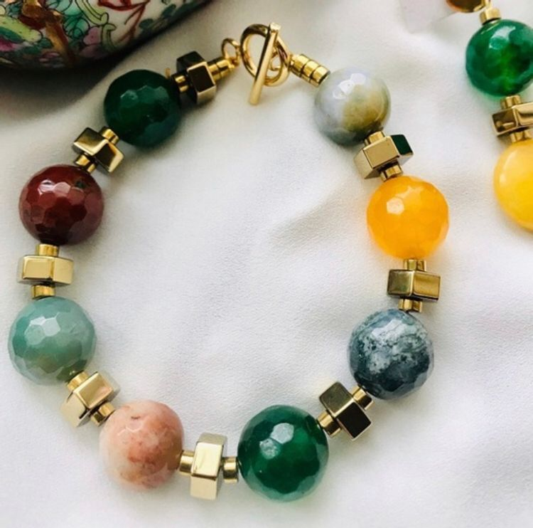 Picture of Handmade accessories with natural stones
