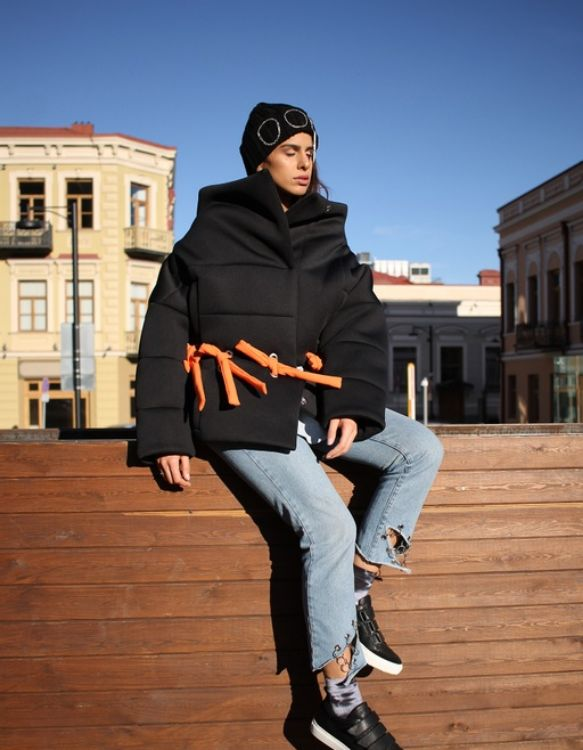 Picture of Black transformable puffer jacket