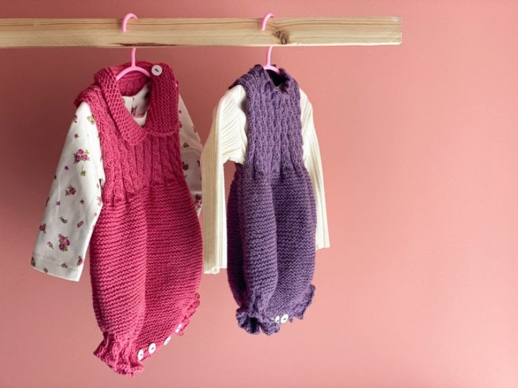 Picture of Knitted romper with flowered shirt
