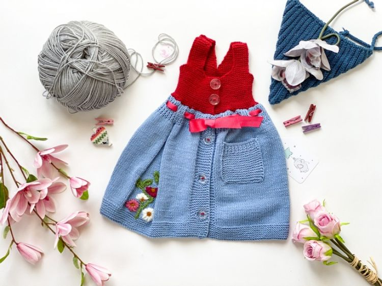 Picture of Knitted embroidered dress
