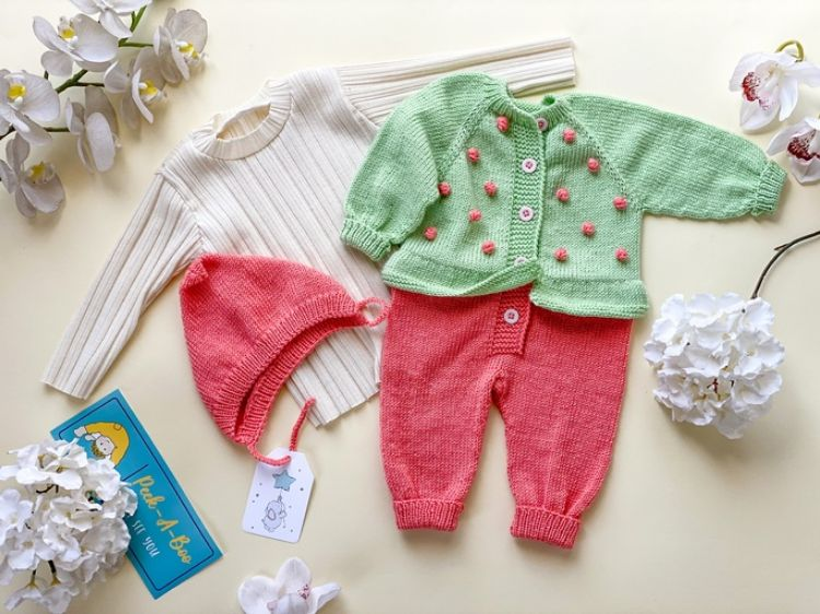Picture of Knitted jumpsuit and hat with cotton shirt