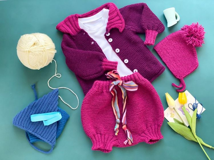 Picture of Knitted jacket and short with cotton shirt