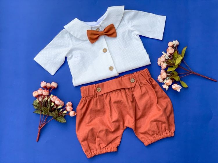 Picture of Linen shorts and blouse
