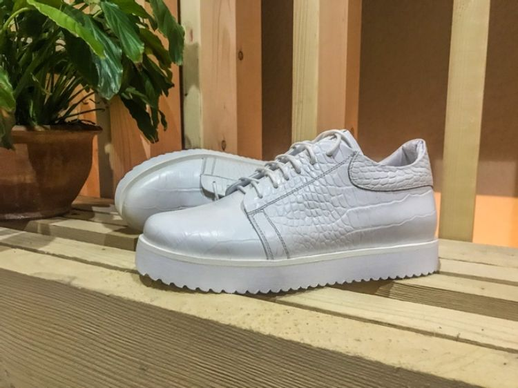 Picture of casual sneakers shoes