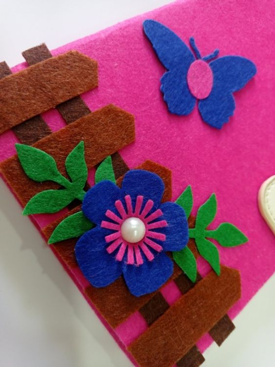 Picture of Handmade felt floral notebook
