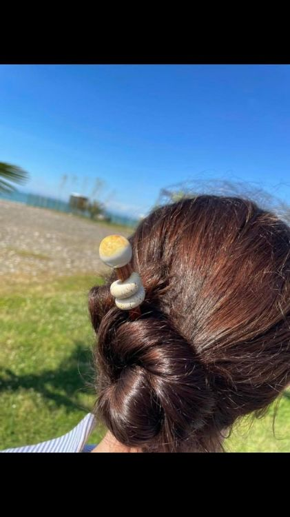 Picture of hair holder